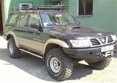 Nášlapy Nissan Patrol Y61 5dv.